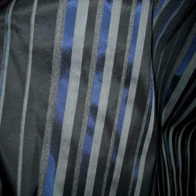 Taffetas faconne rayures ton bleu gris