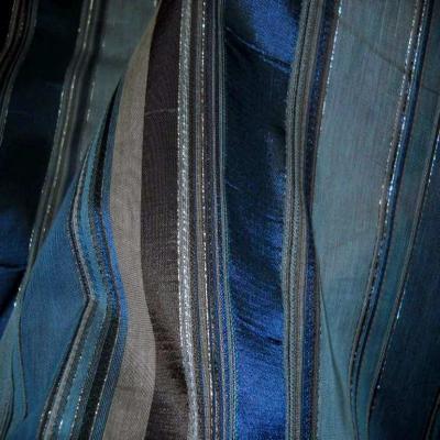 Taffetas faconne rayures ton bleu9