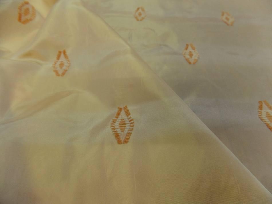 Taffetas jaune brode7