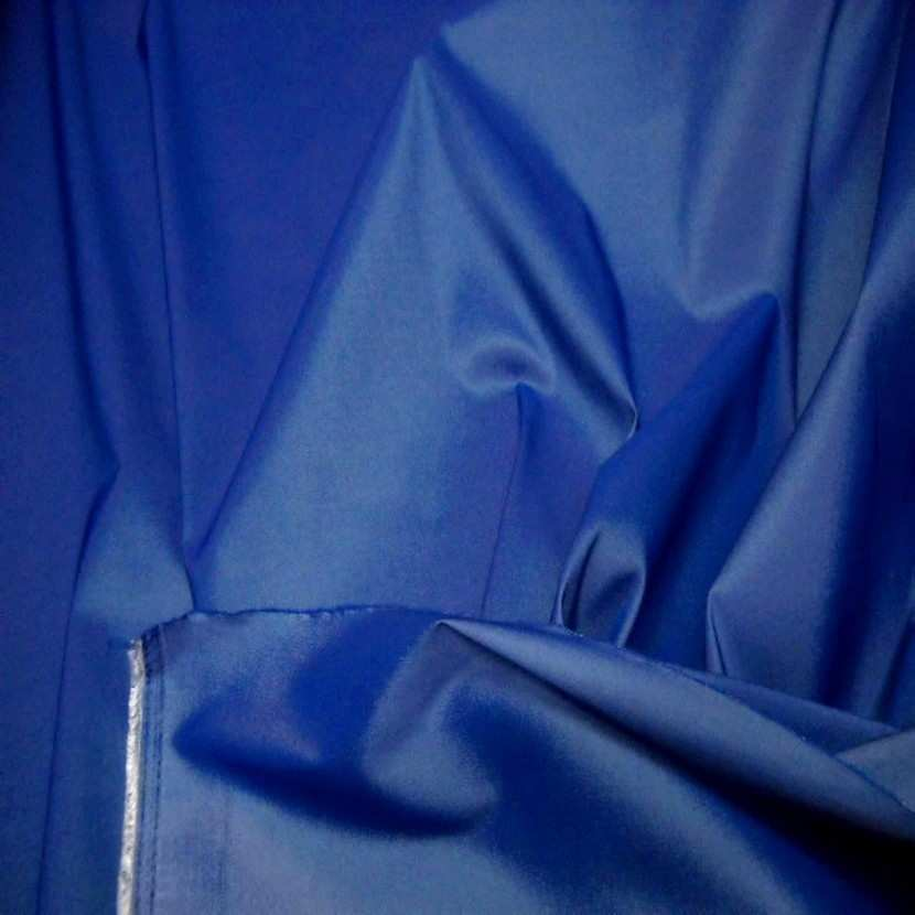Taffetas lycra souple bleu reflets blanc8