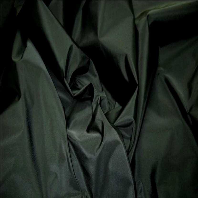 Taffetas noir en 1 50m de large