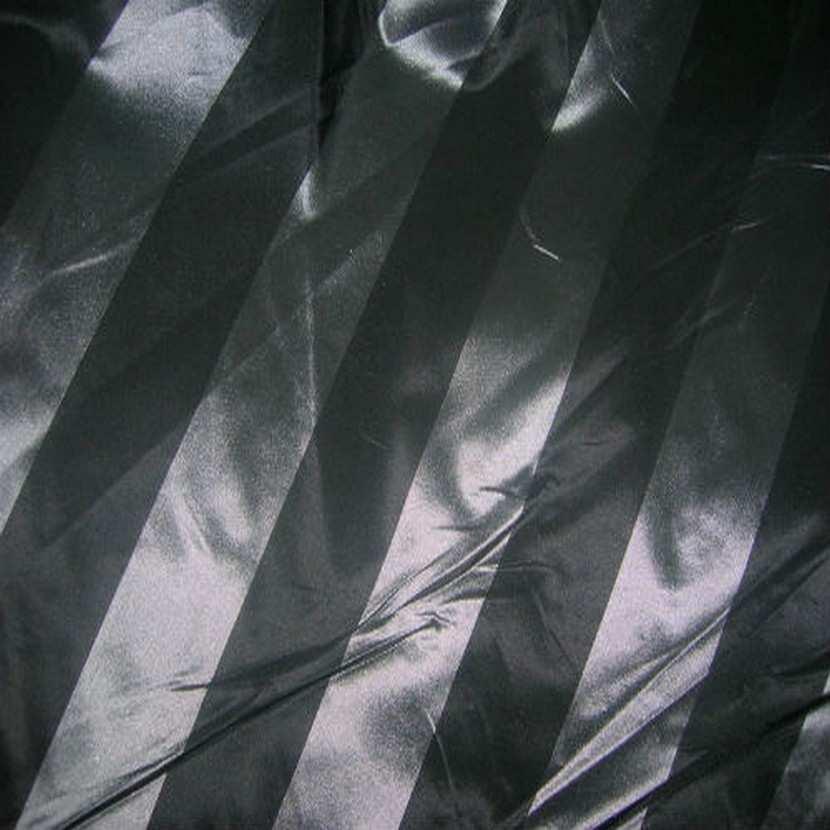 Taffetas raye noir et gris metal7