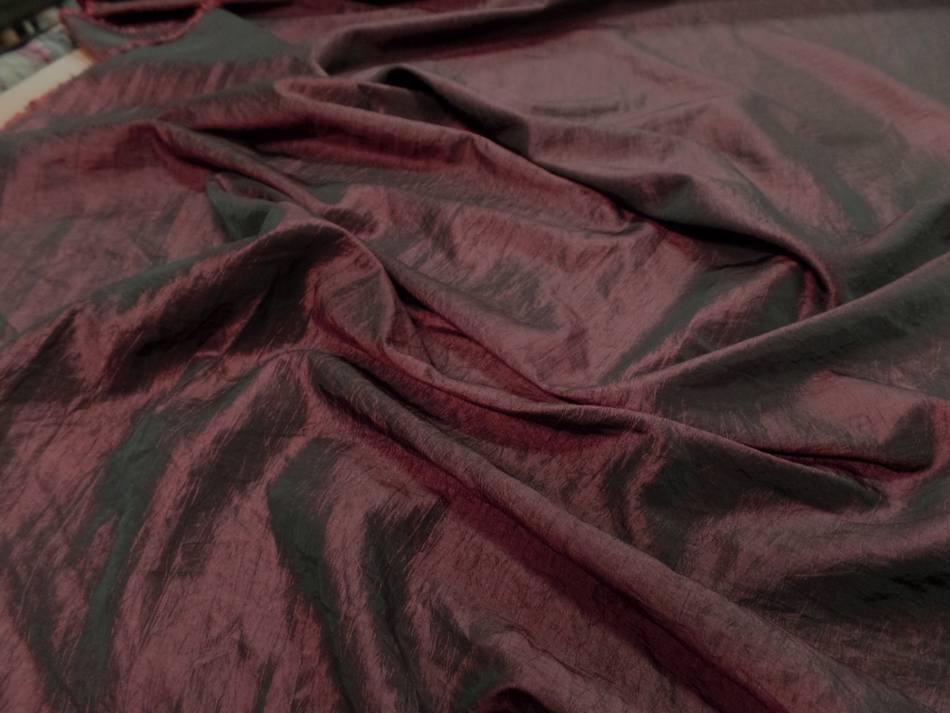 Taffetas souple froissé permanent changeant rouge bordeaux a reflets noir pas cher