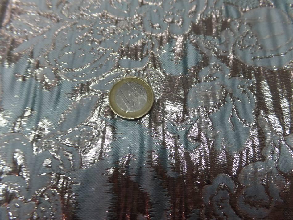 vente de tissu bleu très clair façonné motif en relief en lurex doré