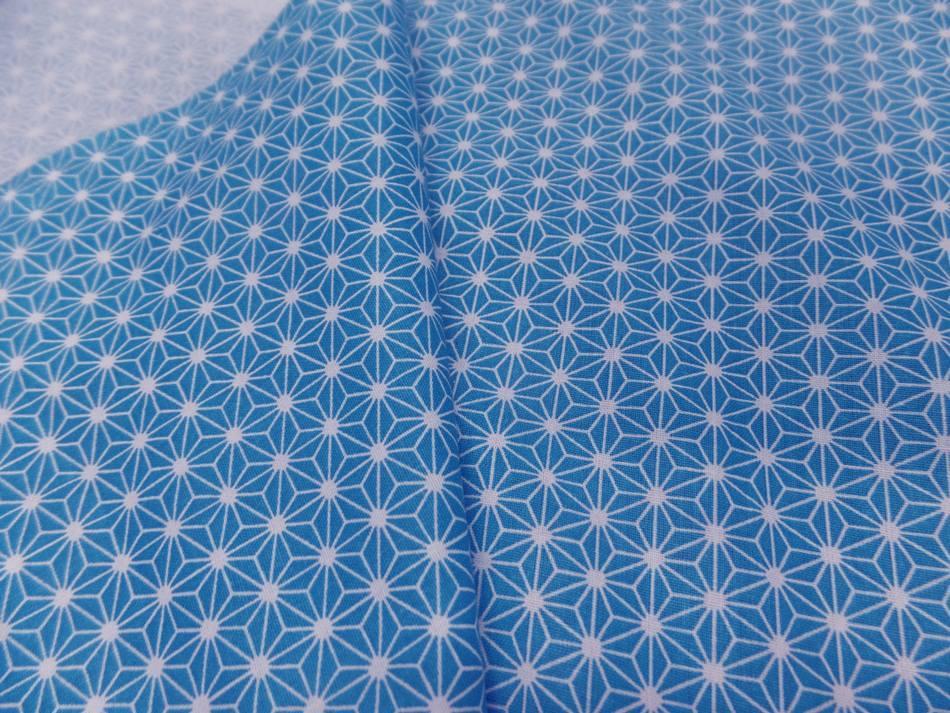 Tissu cretonne imprime geometrique bleu et blanc pas cher