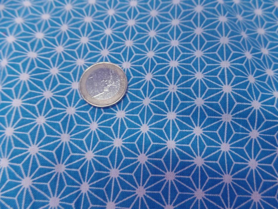 Tissu cretonne imprime geometrique bleu et blanc sur marseille