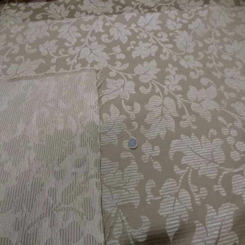 Tissu d ameublement beige a motifs devore velours