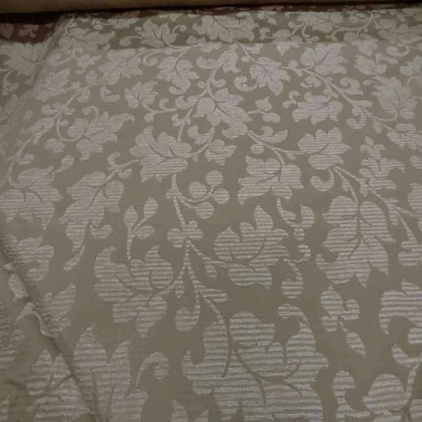 Tissu d ameublement beige a motifs devore velours4