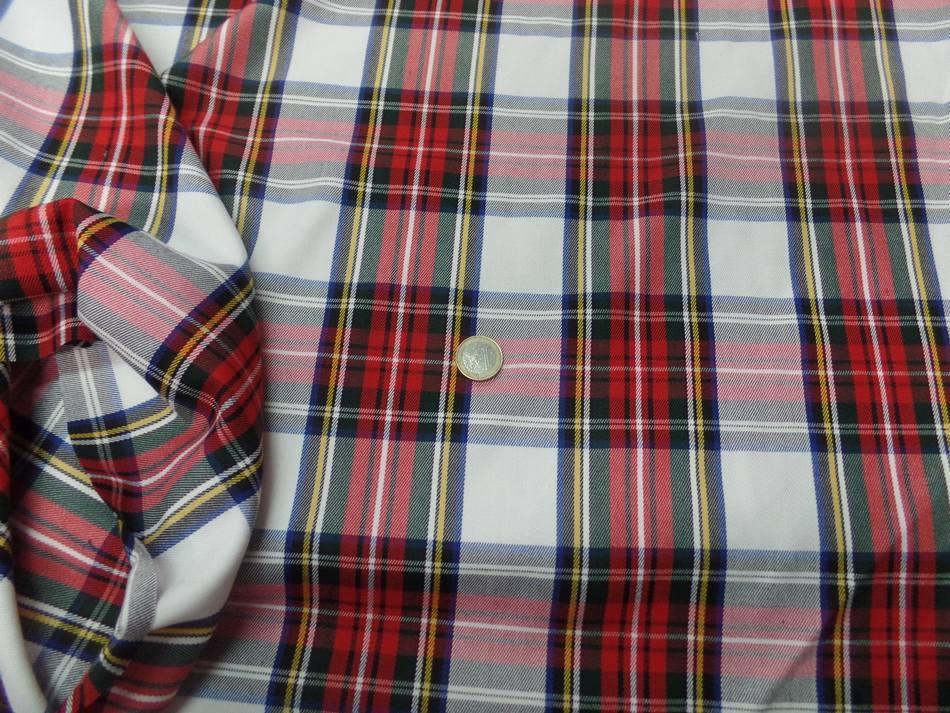 Tissu ecossais blanc vert bleu rouge