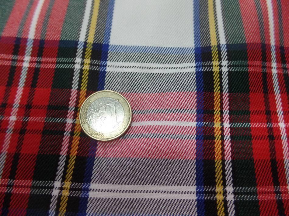 Tissu ecossais blanc vert bleu rouge0
