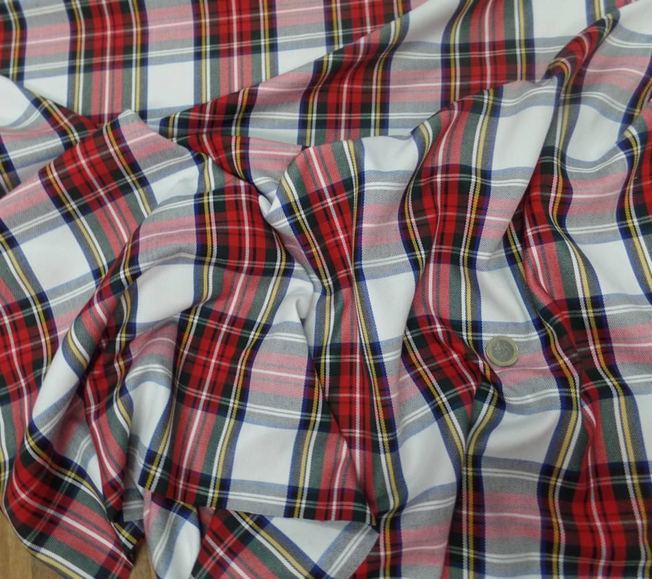 Tissu ecossais blanc vert bleu rouge2
