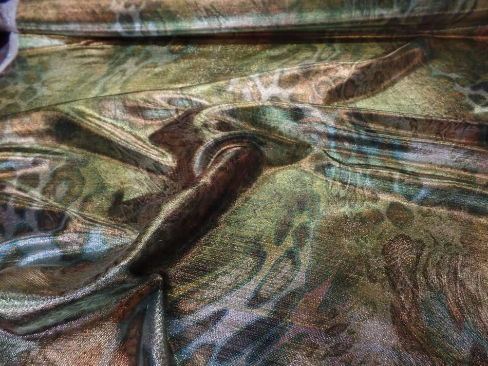 Tissu lurex motifs serpent ton kaki doré métal