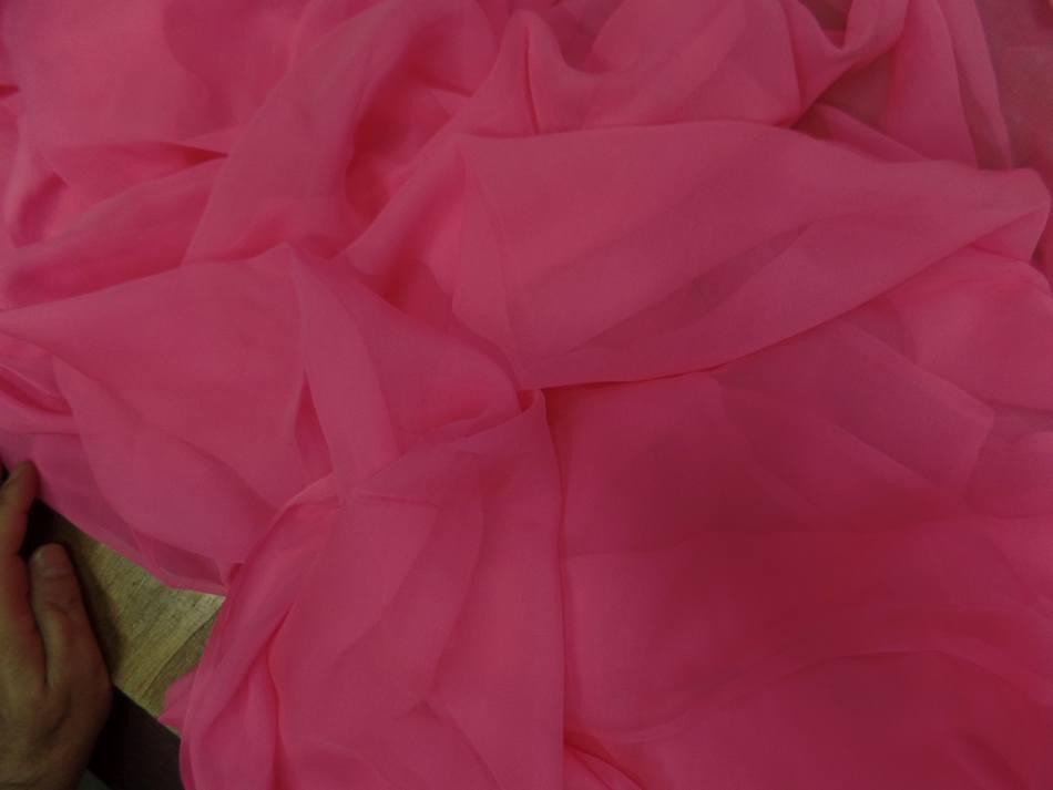 Tissu mousseline de soie rose en ligne