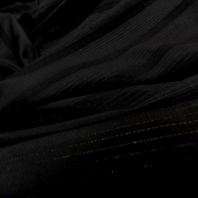 Tissu noir a rayure en lurex ton metal1