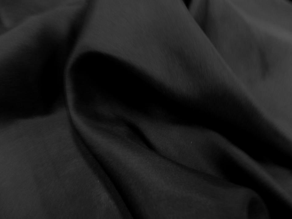 Tissu ponge de soie 100 noir en 1 45m de large