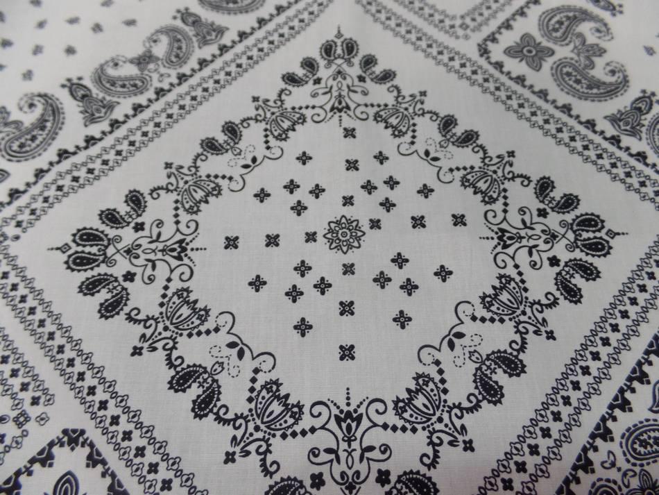 Tissu popeline coton 100% imprimé bandana blanc et noir pas cher