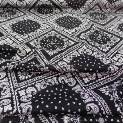 popeline coton 100% imprimé bandana noir et blanc