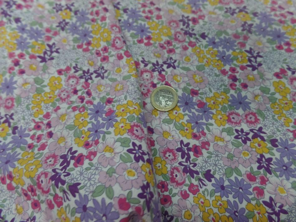 Tissu popeline coton blanche imprime liberty fleurs mauve vert jaune et rose7