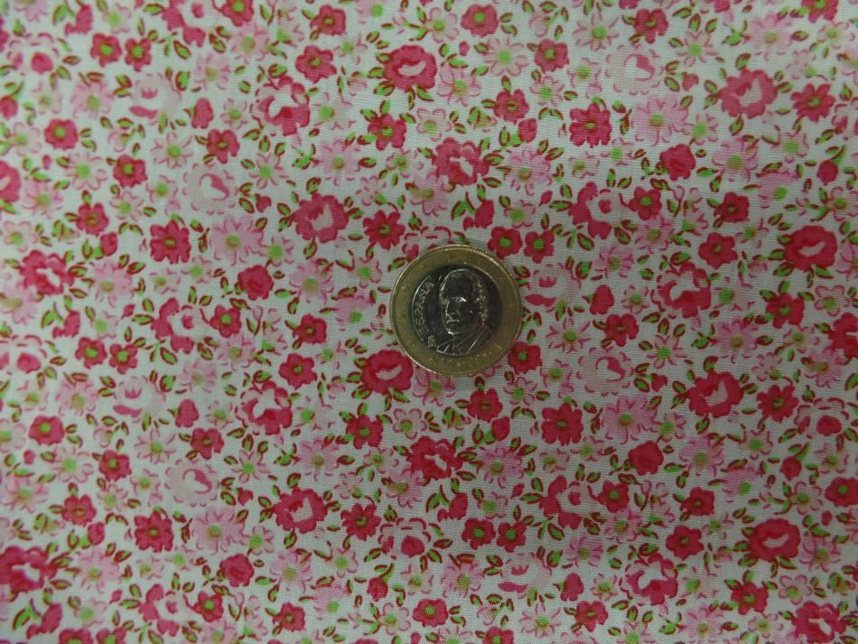 Tissu popeline coton blanche imprime liberty fleurs rose et vert3