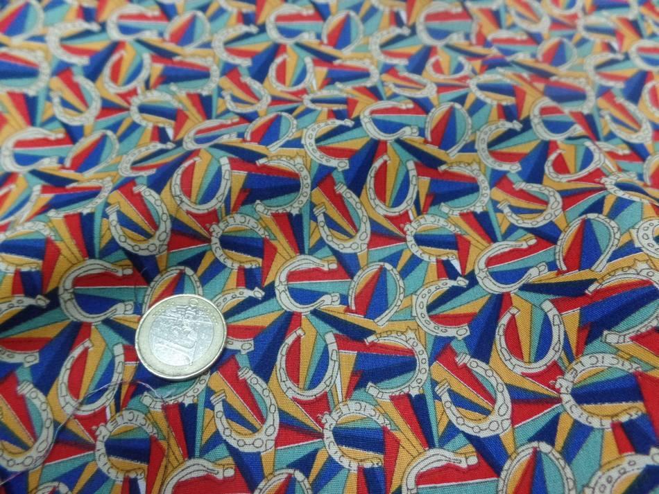 Tissu popeline coton imprime fer a cheval multi couleurs en ligne