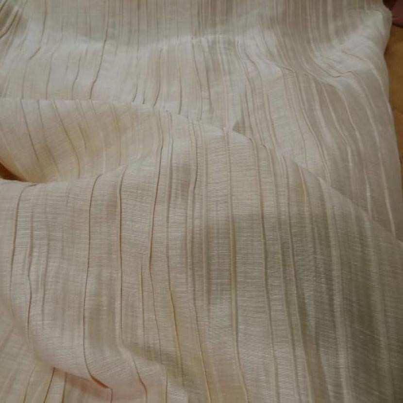 Tissu soie melange plisse ton beige