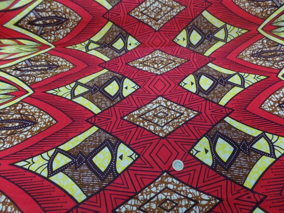 vente de tissu wax bordeaux imprimé poissons ton noir ,jaune et marron