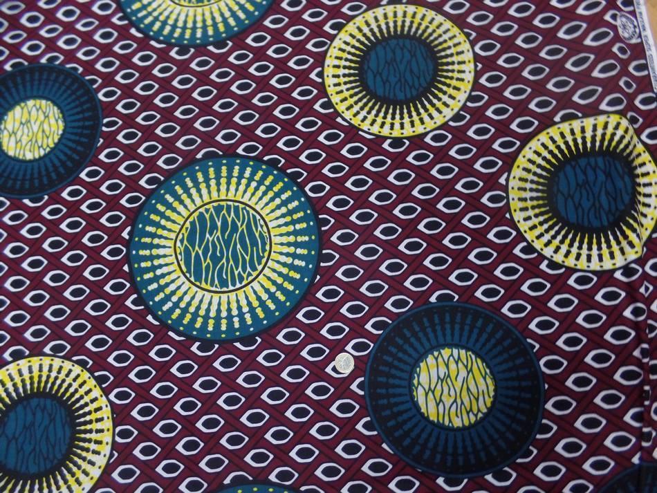 vente de tissu wax bordeaux imprimé  ton bleu ,noir ,jaune pas cher