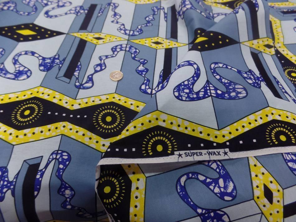 vente de Tissu wax imprimé bleu ,jaune ,noir en ligne