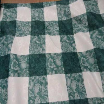 Toile de coton damasse imprime blanc vert en 3m de large
