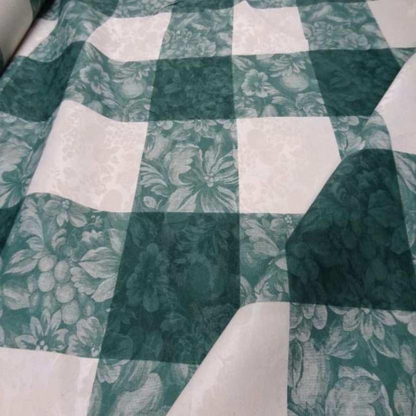 Toile de coton damasse imprime blanc vert en 3m de large5