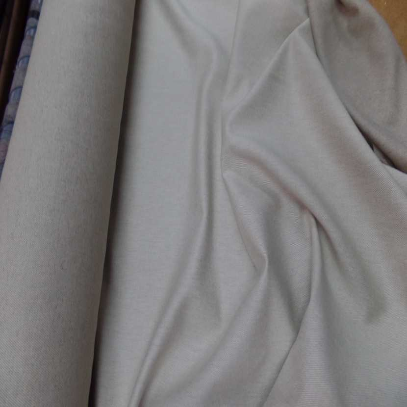 Toile de lin tisse serge ton blanc casse naturel5