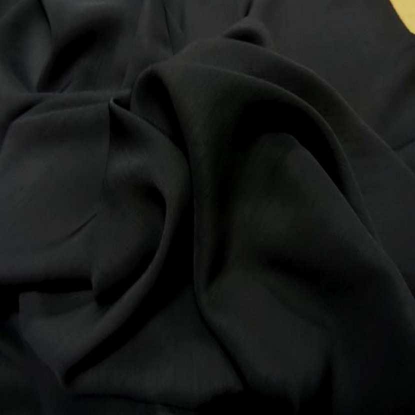 Tres beau dupions noir en polyester2