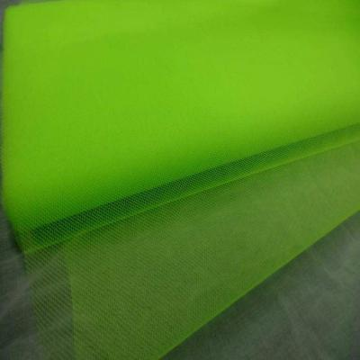 Tulle vert fluo en 1 40m de large