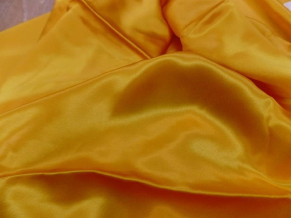 Vente de satin de soie 100 jaune dore