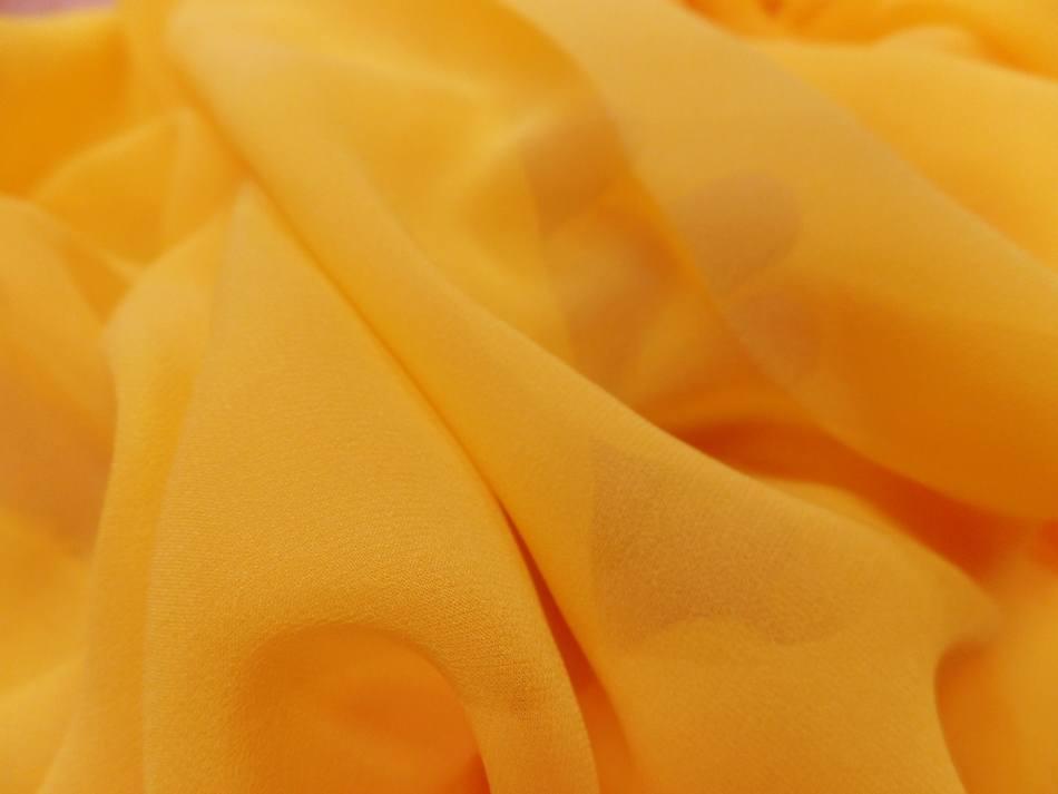 Vente de tissu crepe de soie tres fin ton jaune soleil