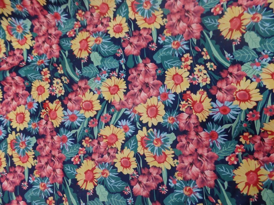 Vente de tissu popeline coton noire imprime fleurs ton de terre bordeaux vert jaune pas cher