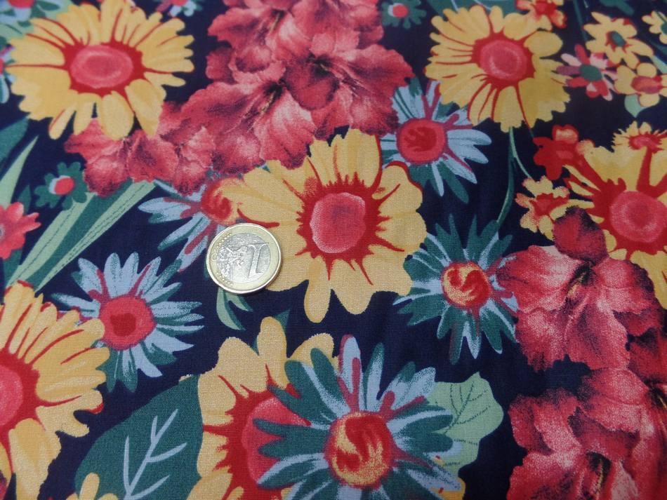 Vente de tissu popeline coton noire imprime fleurs ton de terre bordeaux vert jaune sur marseille
