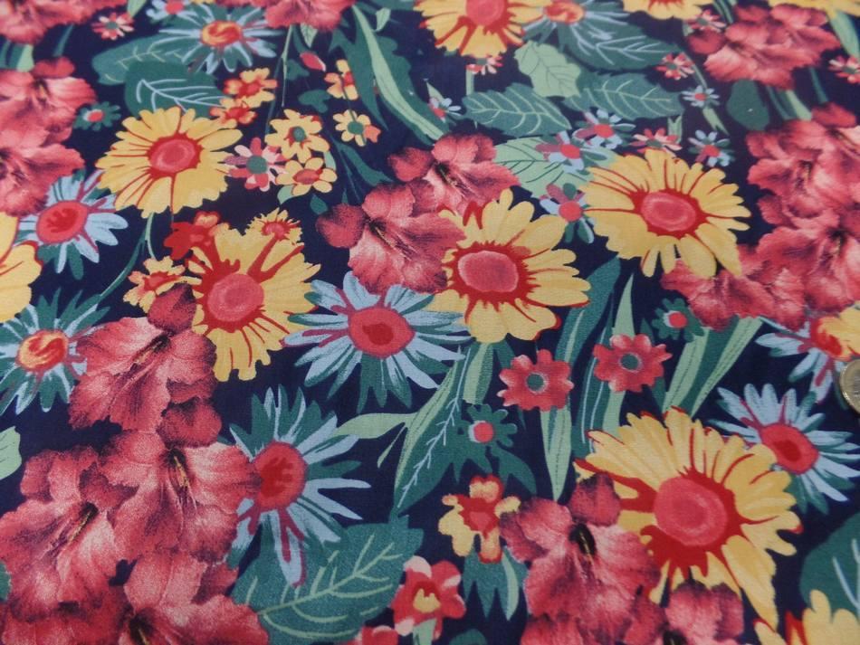 Vente de tissu popeline coton noire imprime fleurs ton de terre bordeaux vert jaune