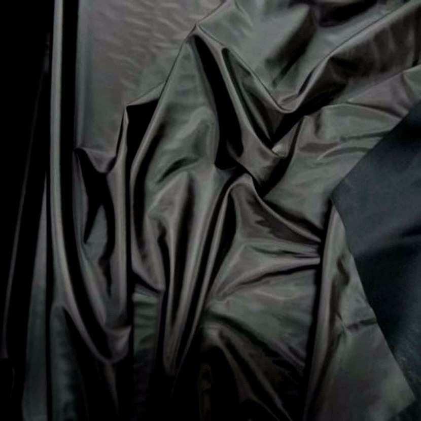 Vinyle noir brillant