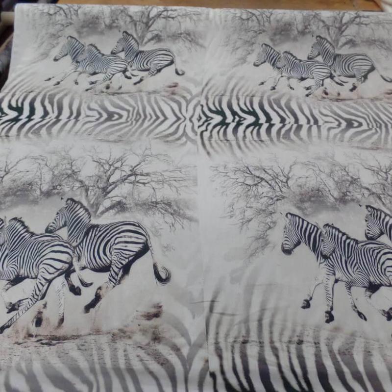 tissu viscose imprime zèbre