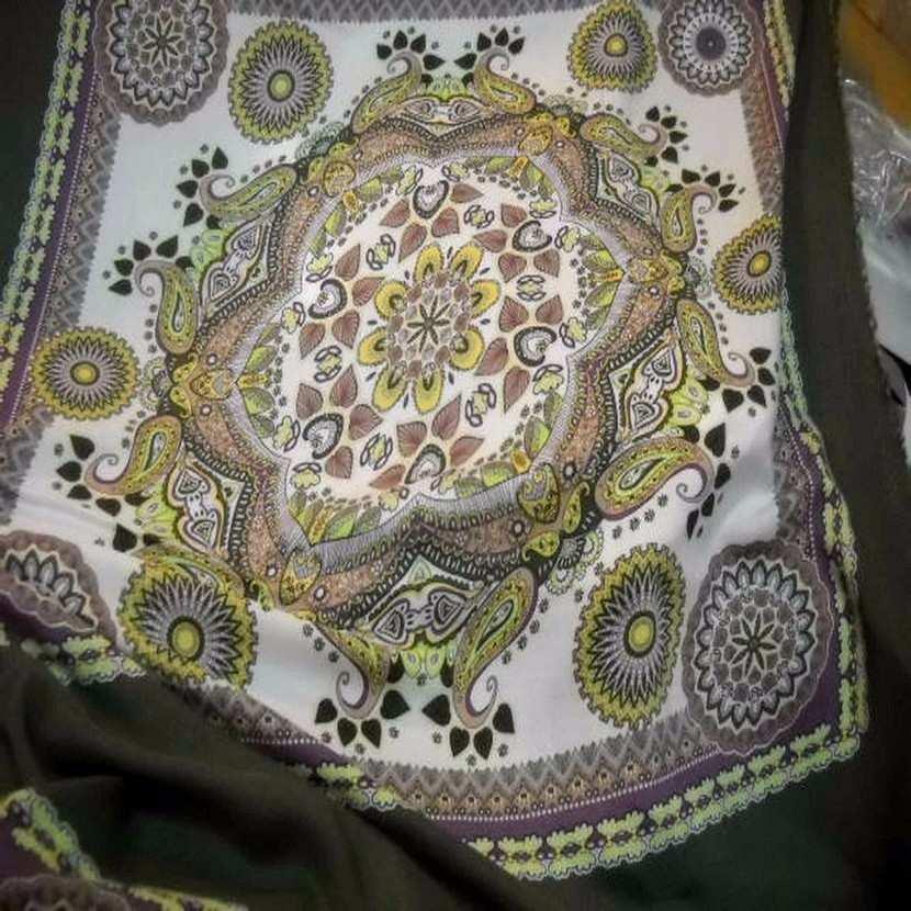 Viscose kaki motifs cachemire pour foulard0