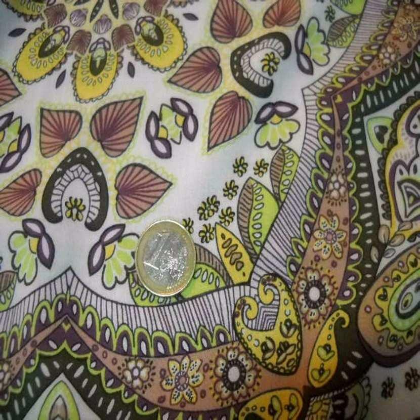 Viscose kaki motifs cachemire pour foulard4