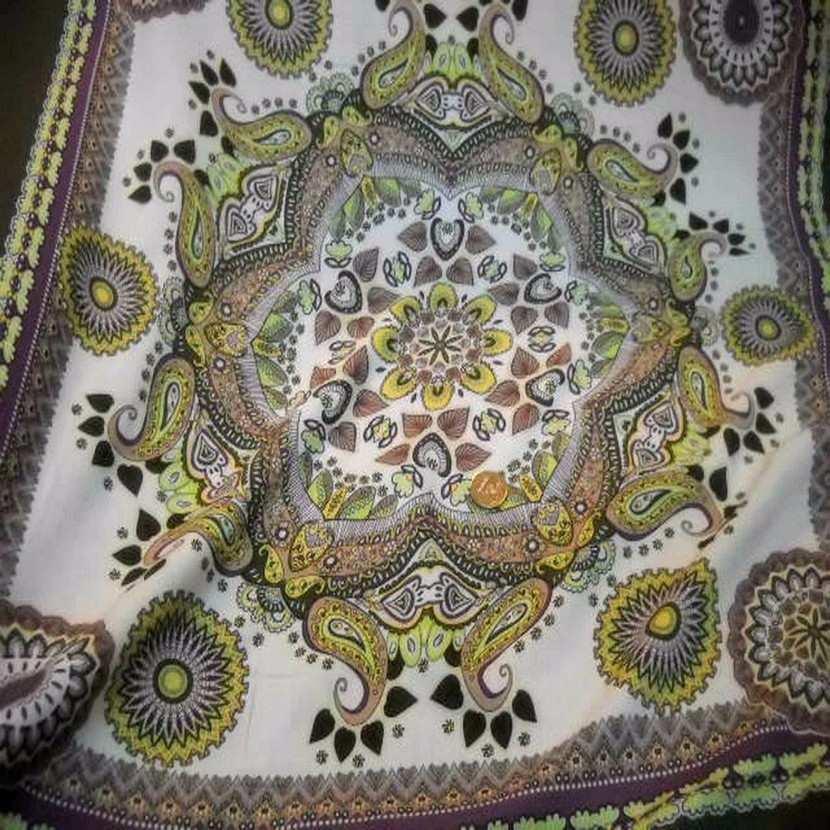Viscose kaki motifs cachemire pour foulard9