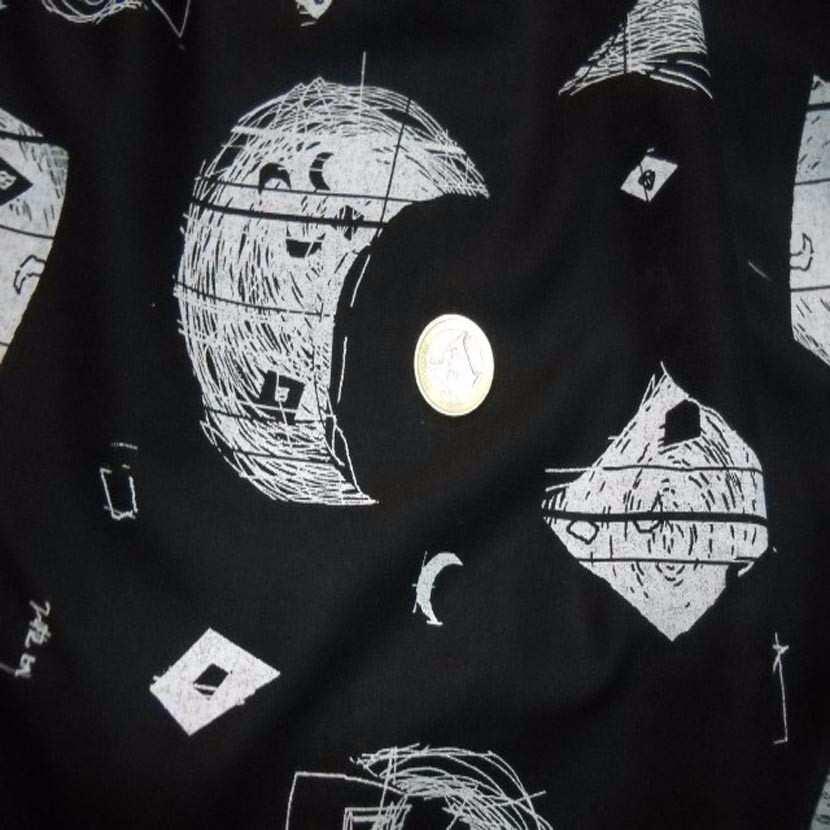 Voile coton noir imprime noir blanc lune8