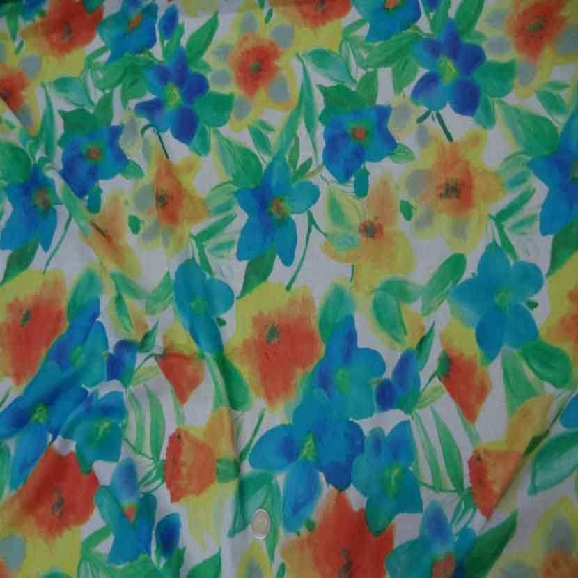 tissu voile coton soie blanc imprimé fleurs ,bleu ,jaune ,orange