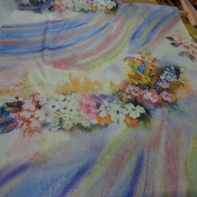 Voile de coton imprime arc en ciel et fleurs