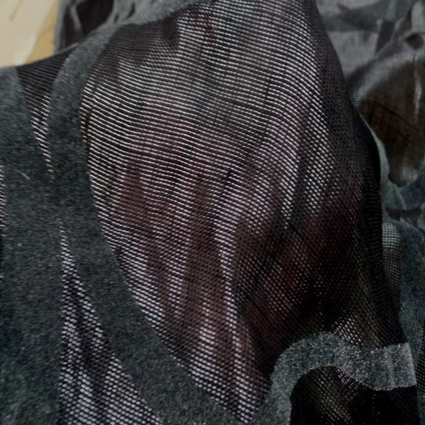 Voile de lin lurex noir a motifs aspect devore en velours gris 6