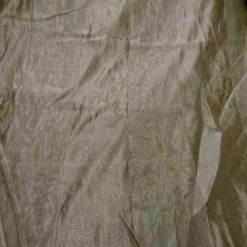 Voile de soie 100 brode a rayures ton beige
