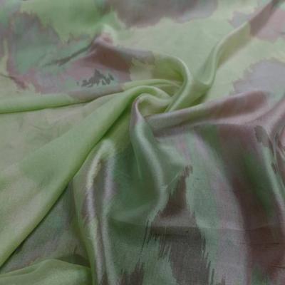 Voile de soie 100 vert imprime