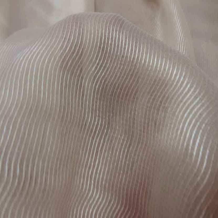 Voile de soie beige clair faconne 2 80m sur 1 60ml1